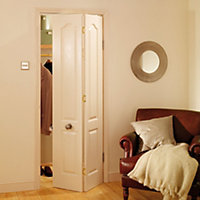 4 panel Primed White Woodgrain effect Internal Bi-fold Door set, (H)1950mm (W)750mm