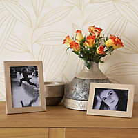 Pine effect Single frame Wood Picture frame (H)207mm x (W)157mm
