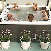 Canadian Spa Toronto 6 person Hot tub
