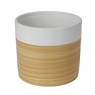 White Clay Wood effect Plant pot (Dia)22.5cm