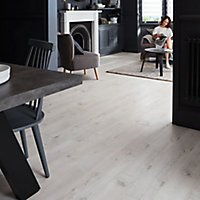 GoodHome Bilston White Oak effect Laminate flooring, 2.49m² Pack