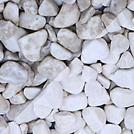 Blooma White Marble Pebbles, Bulk 22.5kg Bag