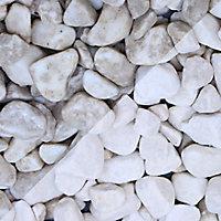 Blooma White Marble Pebbles, Bulk 22.5kg Bag