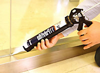 Diall Heavy duty Aluminium & plastic Sealant gun