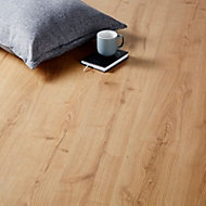 Mackay Natural Oak effect Laminate Flooring