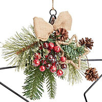 38cm Berry & pine cone star Wreath