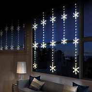390 Warm white LED Snowflake Curtain light Clear & silver cable