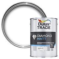 Dulux Trade Diamond Pure brilliant white Matt Emulsion paint, 5L