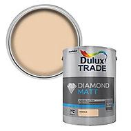 Dulux Trade Diamond Magnolia Matt Emulsion paint, 5L