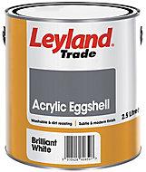 Leyland Trade Brilliant white Eggshell Emulsion paint, 2.5L