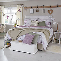 Chartwell Butterfly Wisteria King Bedding set