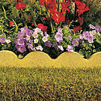 Scalloped Buff Paving edging (H)150mm (W)600mm (T)50mm, Pack of 48