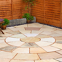 Natural sandstone Fossil buff Paving circle squaring off corner 4.74m² , Pack of 20