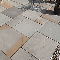 Rustic grey Natural Sandstone Mixed size paving pack (L)4905mm (W)3980mm, 19.52 m²