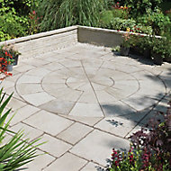 Grey green Old Town Circle paving pack 2.8m