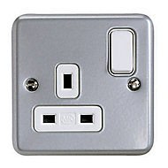 MK 13A Grey 1 gang Switched Metal-clad socket