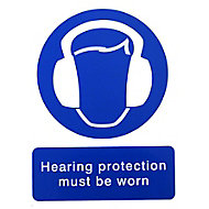 Hearing protection must be worn Self-adhesive labels, (H)200mm (W)150mm