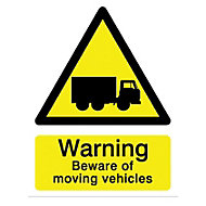 Warning beware of moving vehicles Self-adhesive labels, (H)200mm (W)150mm
