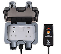Diall 13A Grey Switched Socket & prewired plug