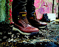 DeWalt Apprentice Galactic Safety boots, Size 7