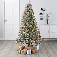 6ft Fairview Berry & cone Artificial Christmas tree