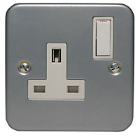 Power Pro 13A 1 gang Switched Metal-clad socket