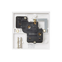 Pro Power 13A White Single Switched Socket