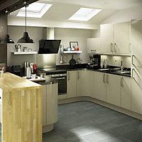 IT Kitchens Base corner post, (W)32mm (H)715mm