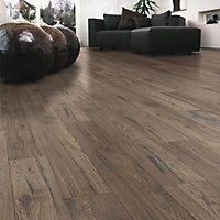 Colours Ostend Natural Ascot oak effect Laminate flooring, 1.76m² Pack