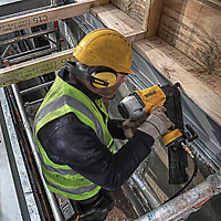 DeWalt 90mm Angled Framing nailer DPN9033SM-XJ