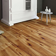 Bravo Natural Wood effect Laminate flooring, 1.76m² Pack