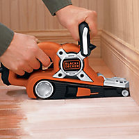 Black & Decker 720W 230V Corded Belt sander KA88