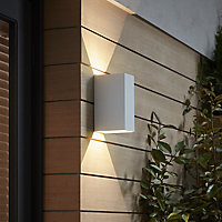 Blooma Edna Matt White Mains-powered LED Outdoor Wall light 960lm
