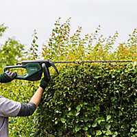 Bosch AdvancedHedgeCut 70 500W 700mm Corded Hedge trimmer