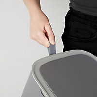 Cooke & Lewis Casetta Soft close Anthracite Plastic Square Freestanding Kitchen Sensor Bin, 30L