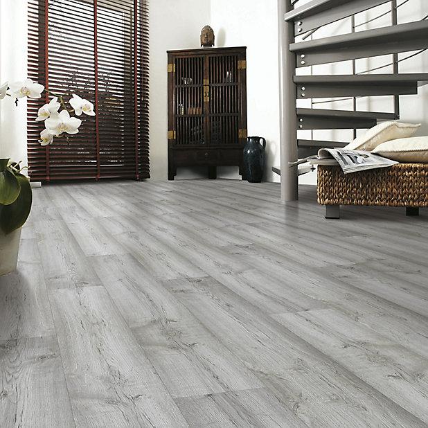 Dartmoor Oak Effect Laminate Flooring