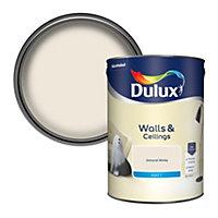 Dulux Natural hints Almond white Matt Emulsion paint, 5L