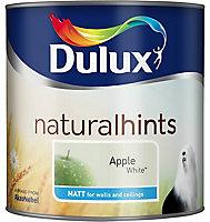 Dulux Natural hints Apple white Matt Emulsion paint, 2.5L