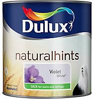 Dulux Natural hints Violet white Silk Emulsion paint, 2.5L
