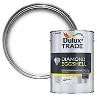 Dulux Trade Diamond Pure brilliant white Eggshell Metal & wood paint, 2.5L