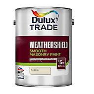Dulux Trade Weathershield Gardenia Smooth Masonry paint, 5L