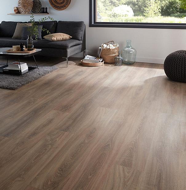 Goodhome Albury Natural Oak Effect, Natural Laminate Flooring
