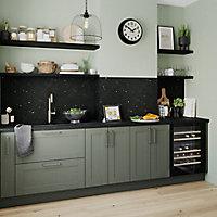 GoodHome Alpinia Matt Green Painted Wood Effect Shaker Highline Cabinet door (W)400mm (T)18mm