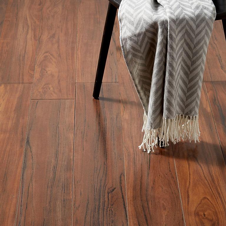 Goodhome Bannerton Mahogany Effect, Mahogany Laminate Flooring Uk