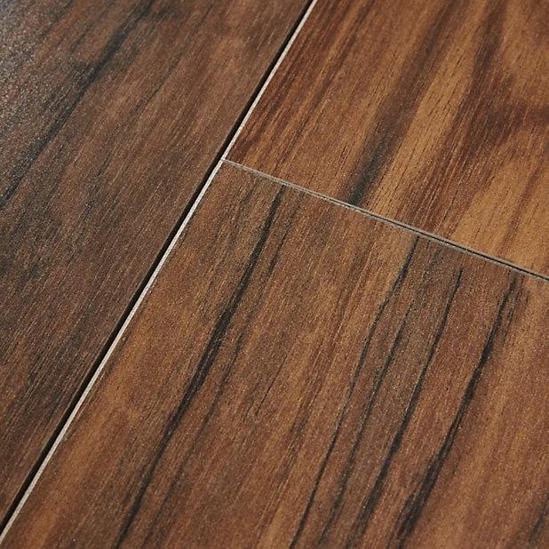 Goodhome Bannerton Mahogany Effect, Mahogany Laminate Flooring B Quartz