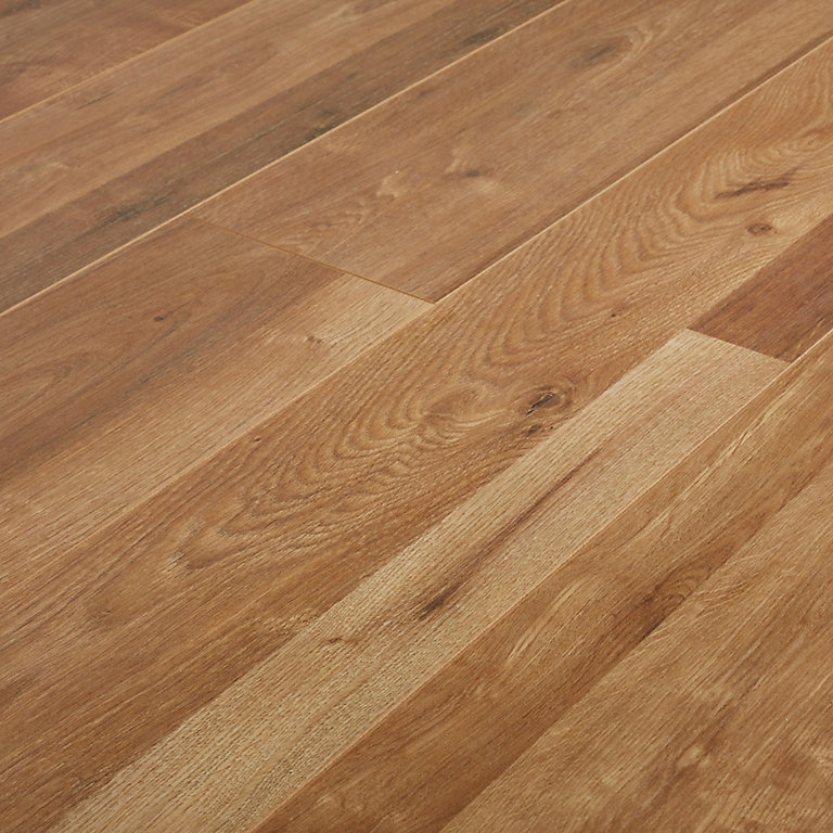 Goodhome Dawlish Oak Effect Laminate, How Many Planks In A Pack Of Laminate Flooring