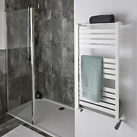 GoodHome Loreto 546W White Towel warmer (H)1000mm (W)500mm