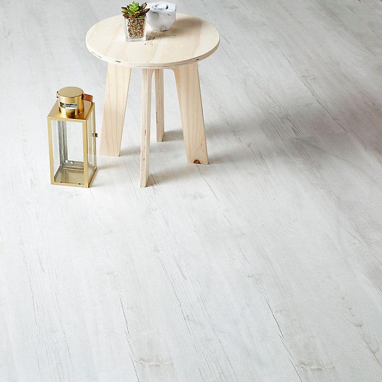Goodhome Macquarie White Pine Effect, White Brushed Pine Laminate Flooring