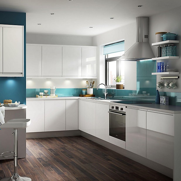 It Kitchens Marletti Gloss White Base, B Q Kitchen Cabinets Clearance