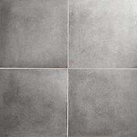 Konkrete Grey Matt Concrete effect Porcelain Floor tile, Pack of 4, (L)616mm (W)616mm